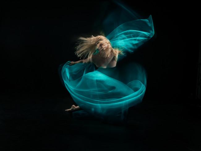 1047BK_Fabric_Dance_83346