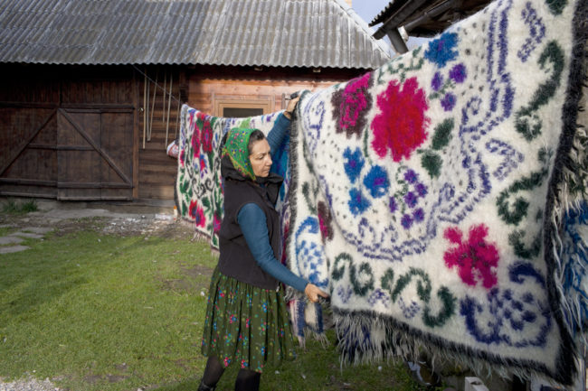 matyas_romania_hanging-out-rugs